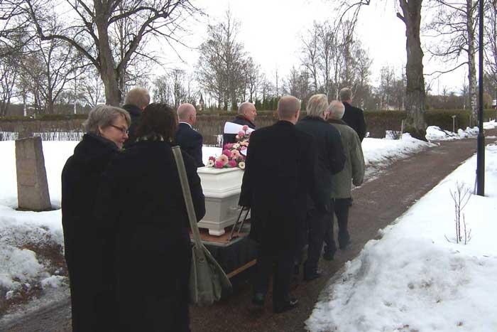 bära kista vid begravning